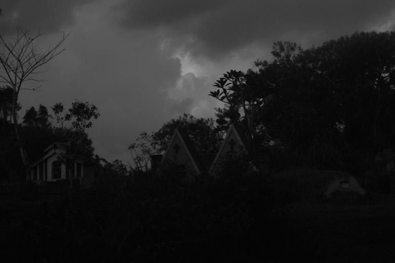 poto kuburan seram ditemanggung sumber edoyism.blogspot.com