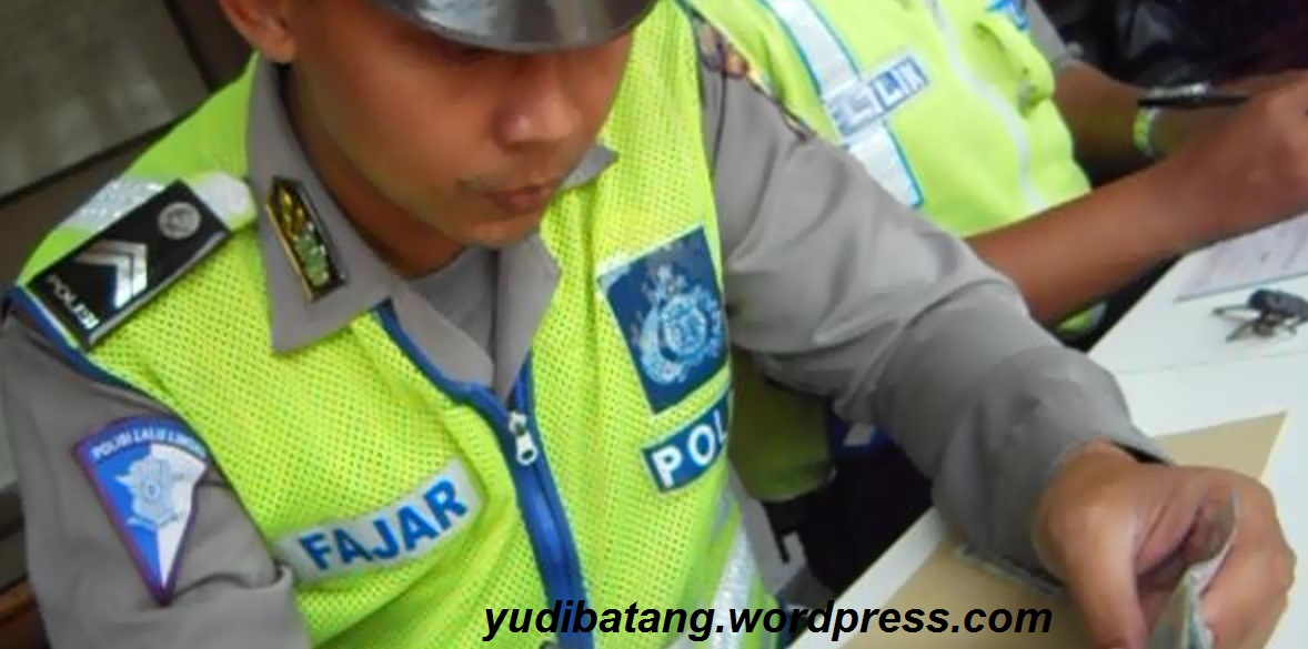 polisi berpapannama