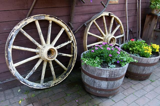 wheels-52784_640