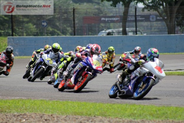 RAce-Final-Sport-150cc-Seri-1Kejurnas-IRS-2016-696x464