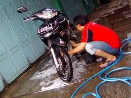 mencuci motor