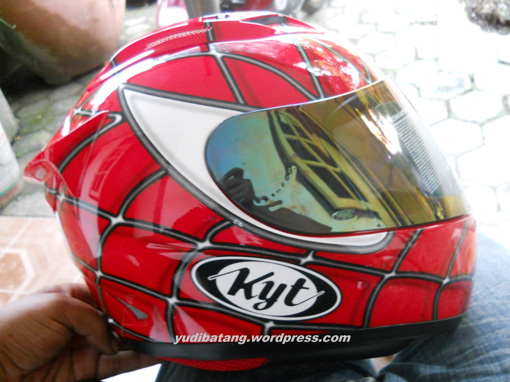 Helm KYT RC7 Spiderman
