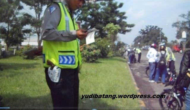 polisi lalu lintas plumbon cirebon