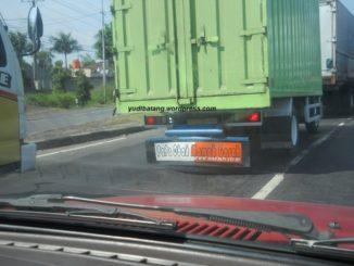 jarak pengereman truk