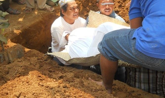jenazah mau dikubur 1