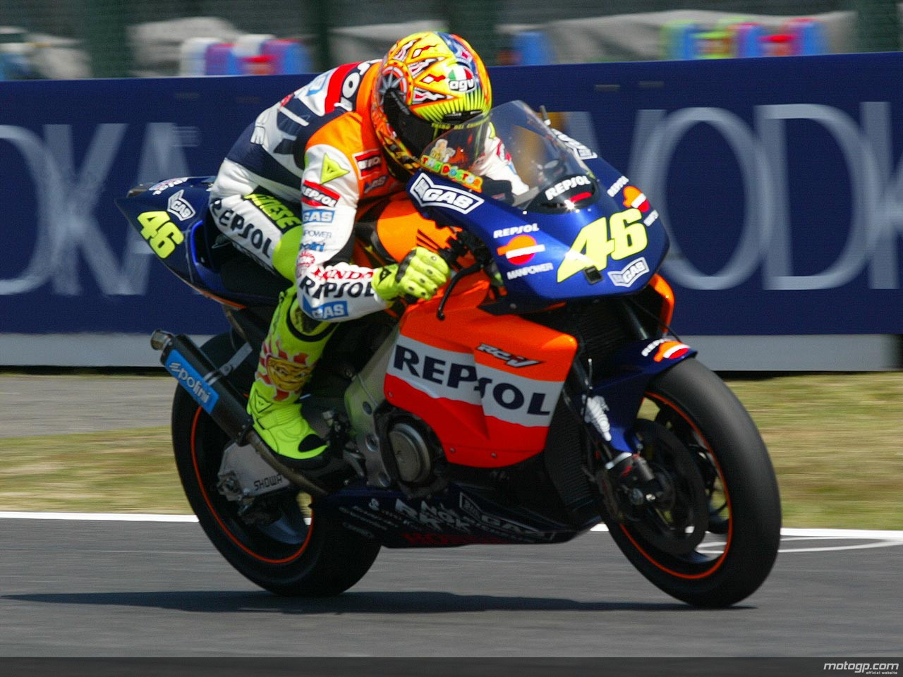 Honda-RC211V-Valentino-Rossi-2002