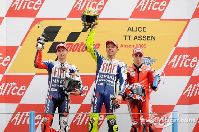 motogp-tt-assen-2009-podium-race-winner-valentino-rossi-fiat-yamaha-team-second-place-jorg