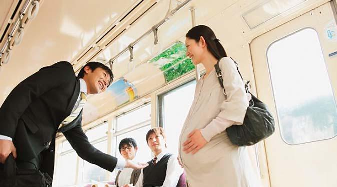 penumpang-hamil121105c