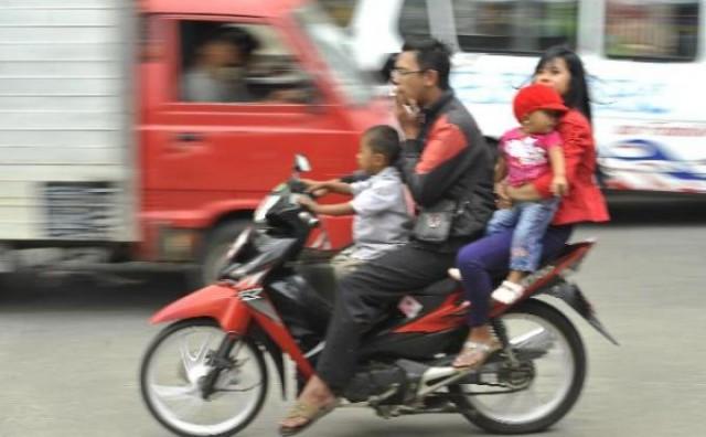 disiplin-pengemudi-sepeda-motor