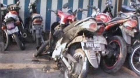motor bekas kecelakaan dikantor polisi