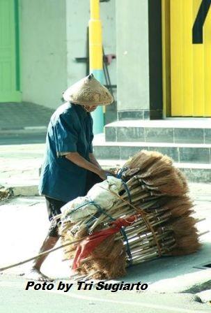 penjual sapu buta Pati jawa tengah