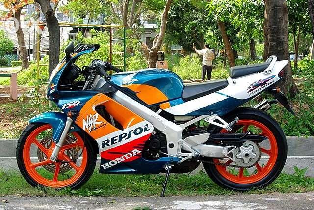 honda-nsr-150-sp-repsol-edition-full-restorasi-like-new-upload-foto