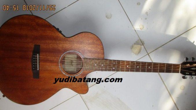 gitar akustik Cort SFX-MEM
