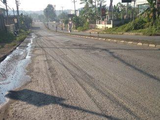 jalan aspal dikeruk