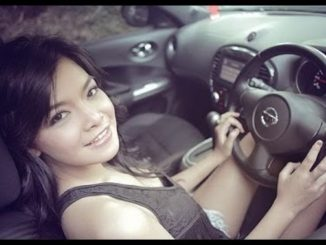 mobil eks wanita