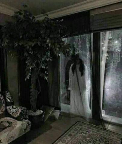 kamar hotel berhantu