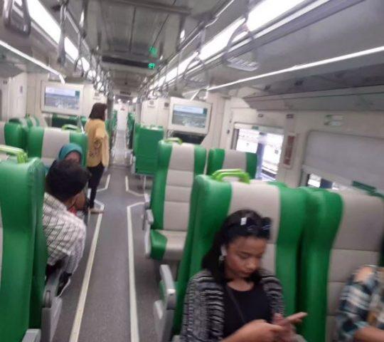 interior kereta solo expres