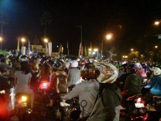Naik motor Malam tahun baru